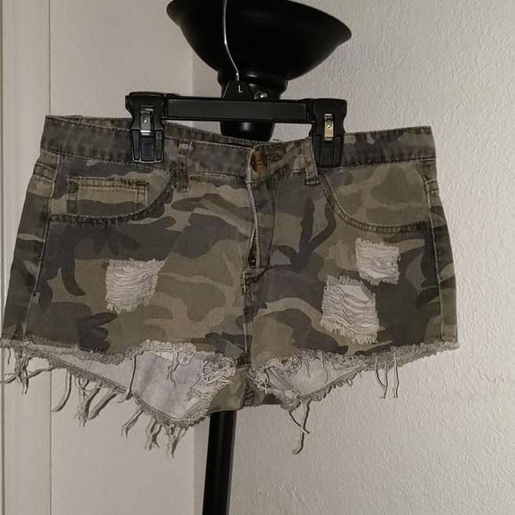 Pants - Shorts (booty)